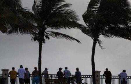 Dia de furacão é dia estranho